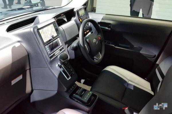 Toyota JPN Taxi салон