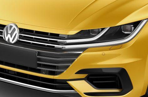 Volkswagen Arteon получил «Золотой руль»