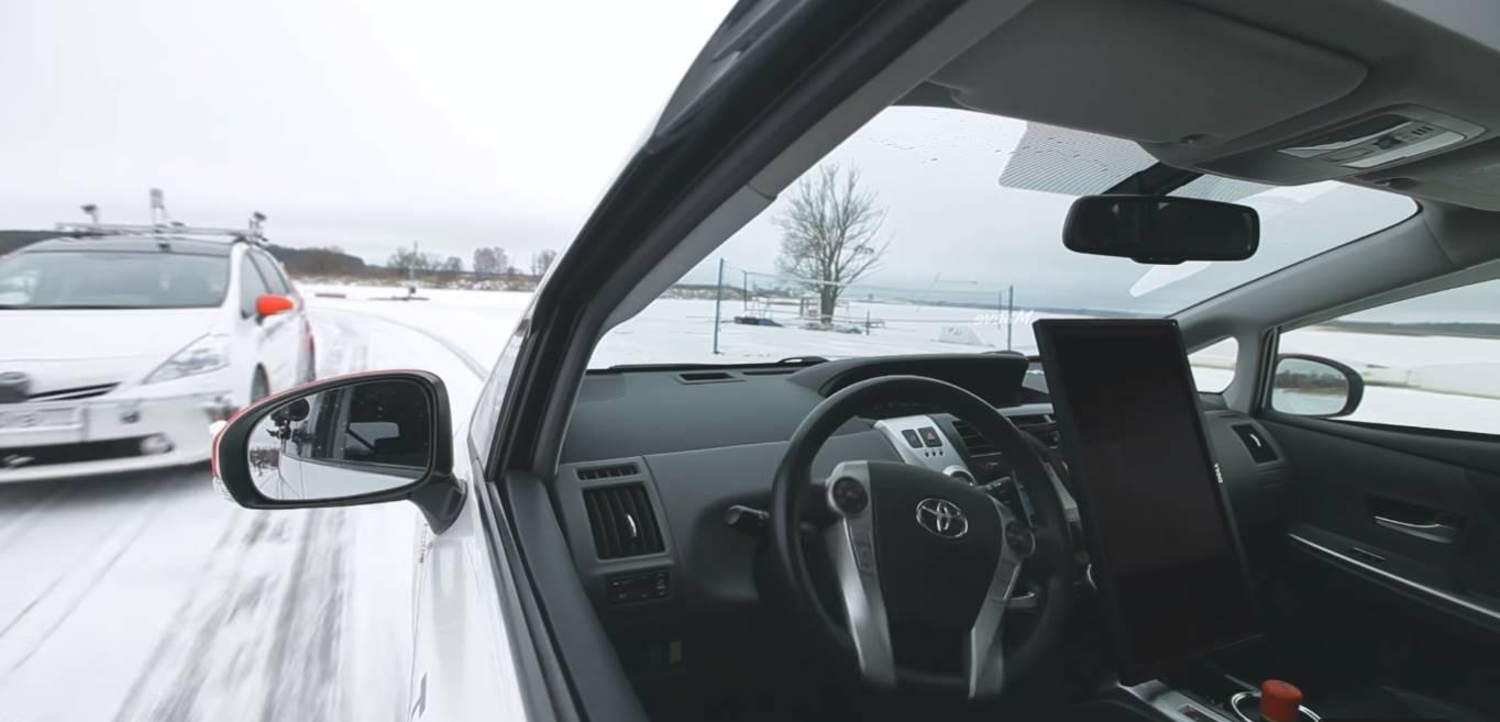 Яндекс протестировал беспилотный автомобиль на заснеженной дороге