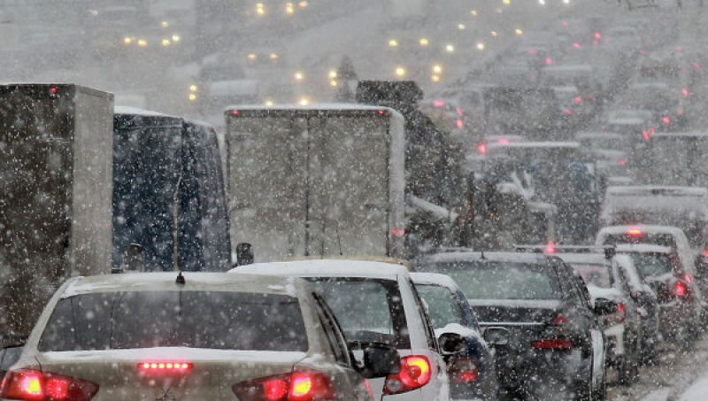 машины снегопад