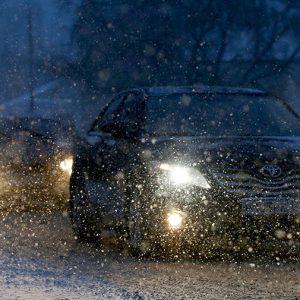 МЧС предупреждает о гололедице, снегопаде и сильном ветре в Москве и Подмосковье