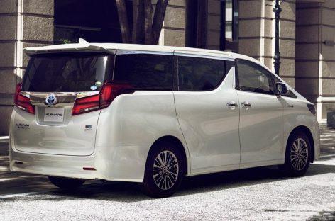 Toyota представила обновлённый минивэн Alphard