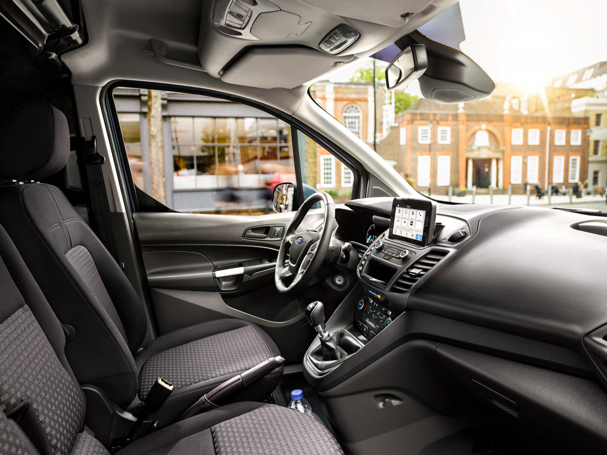 2017 Ford Connect_interior