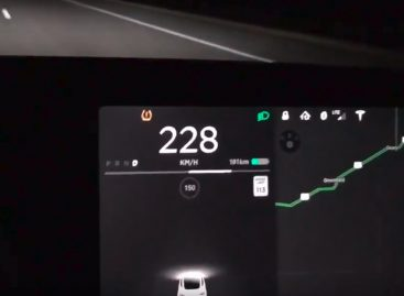 Электрокар Tesla Model 3 разогнали до максимума