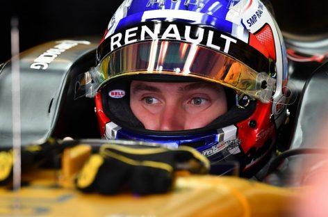 Renault доверит Сироткину тесты 18-дюймовых шин Pirelli