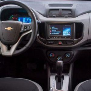 Новый Chevrolet Spin засняли в камуфляже