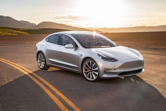 Электрошокер: Тест-драйв Tesla Model 3