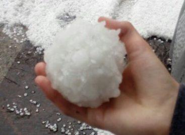 Кидал снежки в машину и попал под горячую руку хозяина