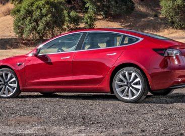 Компания Tesla продемонстрировала работу автопилота нового поколения