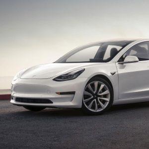 Выпущено 100 тысяч электромобилей Tesla Model 3