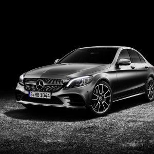 На Mercedes-Benz Fashion Week Russia впервые продемонстрирует российской публике новый седан C-Класса