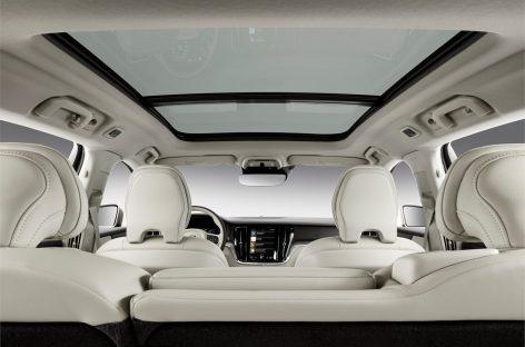 Volvo V60: семейный автомобиль с умной системой безопасности