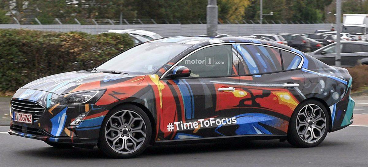 Ford Focus задерживается, не на долго