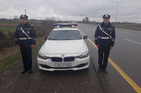 Патрульные инспекторы спасли от смерти женщину и ребенка