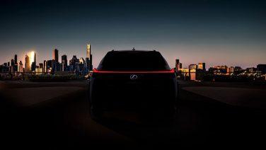 Новый Lexus UX — срыв покровов