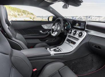 Mercedes добавил маневренности купе и кабриолету AMG C 43
