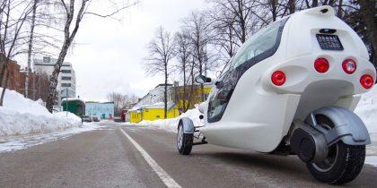 В технопарке «Калибр» собрали трехколесный электромобиль.