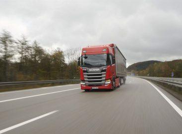 Новый грузовик Scania R450 обгоняет конкурентов