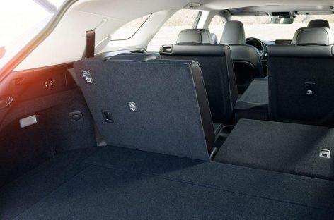 Lexus RX 350L — компактный снаружи, просторный внутри