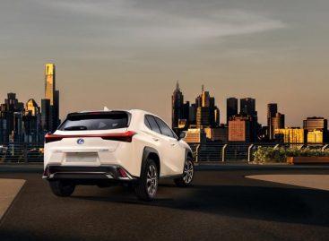 Дебют нового кроссовера Lexus UX