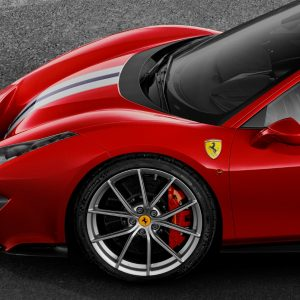Суперкары Ferrari 488 Pista обуют в шины Michelin