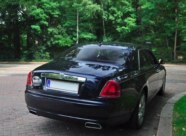 В Москве угнали Rolls-Royce за 16,5 млн рублей