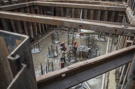Строительство моста через Волгу в Дубне идет с опережением графика