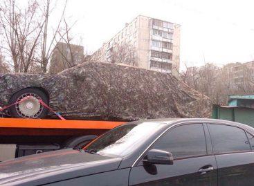 """Без понтов. """"Кортеж"""" Путина заметили на дороге."""