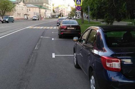 В ГИБДД объяснили штрафы за проезд по парковке
