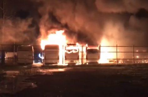 Ночь пожаров. В столице сгорели 15 автобусов.