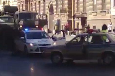 Питерец пытался угнать машину прямо с репетиции парада