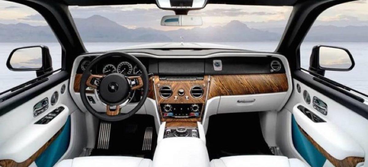 В Сеть утекли фото первого внедорожника Rolls-Royce