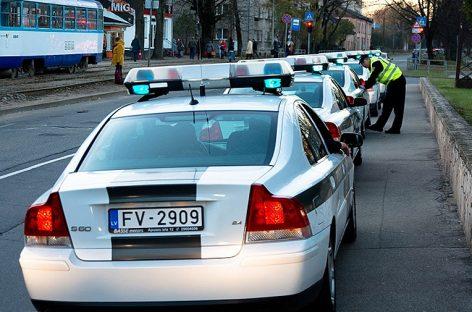 В Риге 100-летний водитель стал виновником ДТП