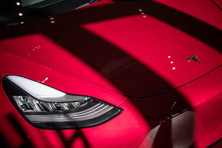 В Model S3 устанавливали бракованные аккумуляторы