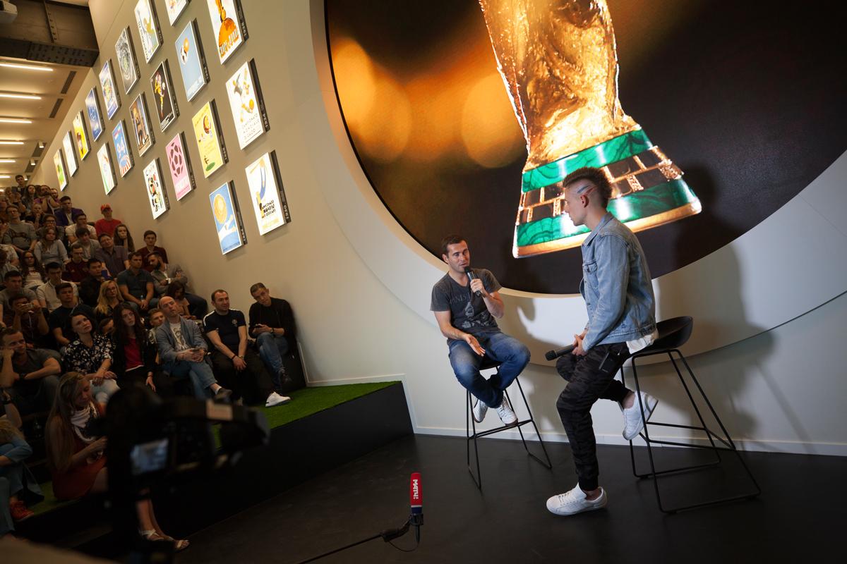 Встреча с Кержаковым прошла в музее Мирового Футбола FIFA