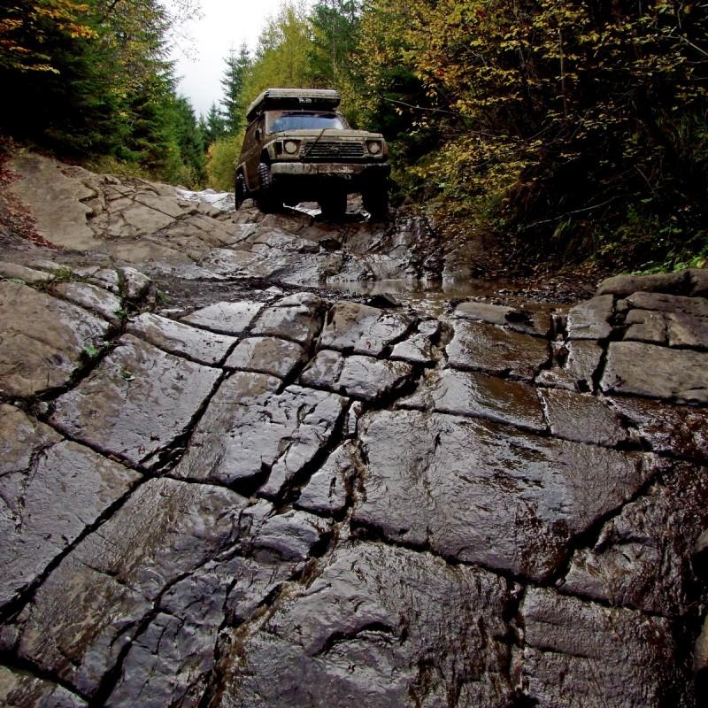 Каменная дорога, Карпаты
