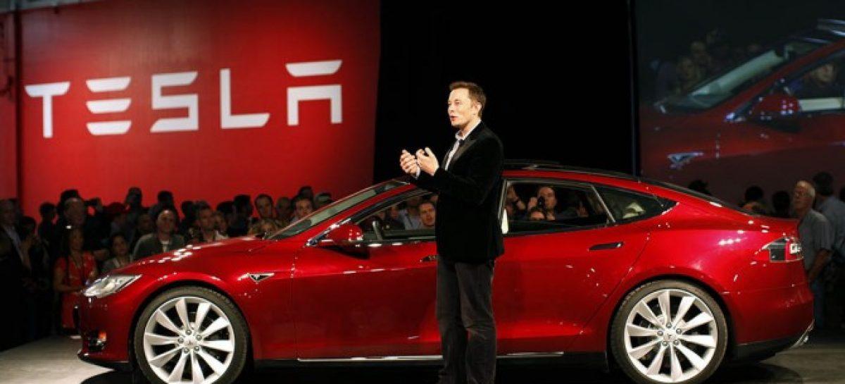 Tesla впервые зафиксировала прибыль по итогам года