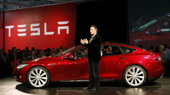 Илон Маск выкупил компанию Тесла