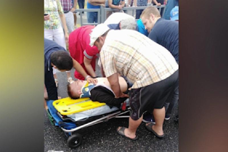 Немецкий болельщик спас человека, попавшего в ДТП