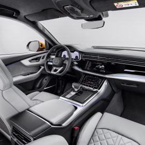 Audi Q8: новый интерьер и сенсорный функционал
