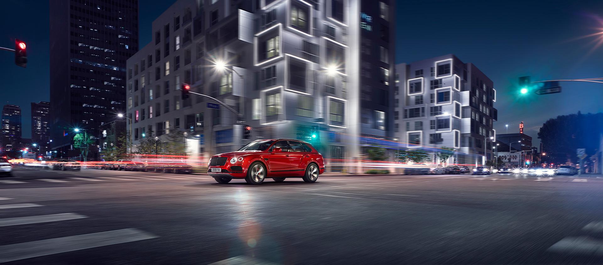автомобиль Bentayga V8 дополнен самыми современными системами помощи водителю и информационно-развлекательными технологиями