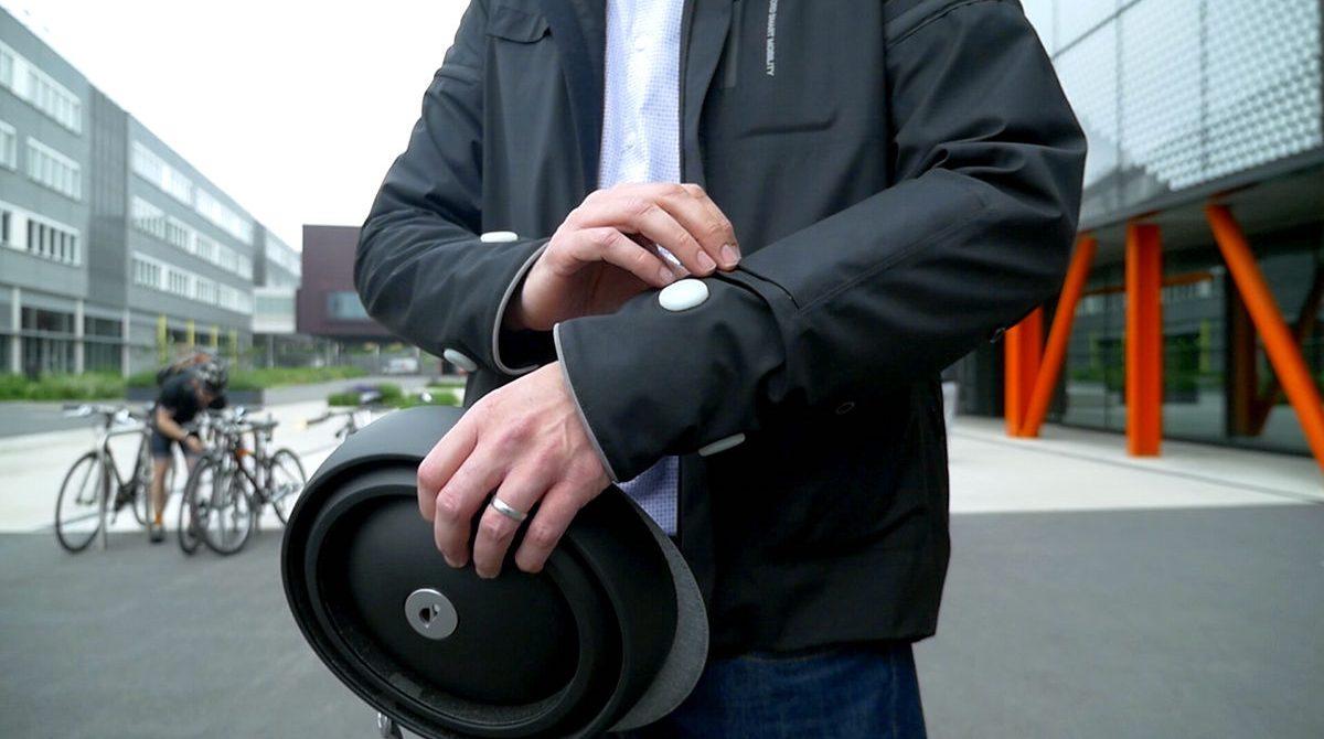 Умная куртка для велосипедистов от Ford