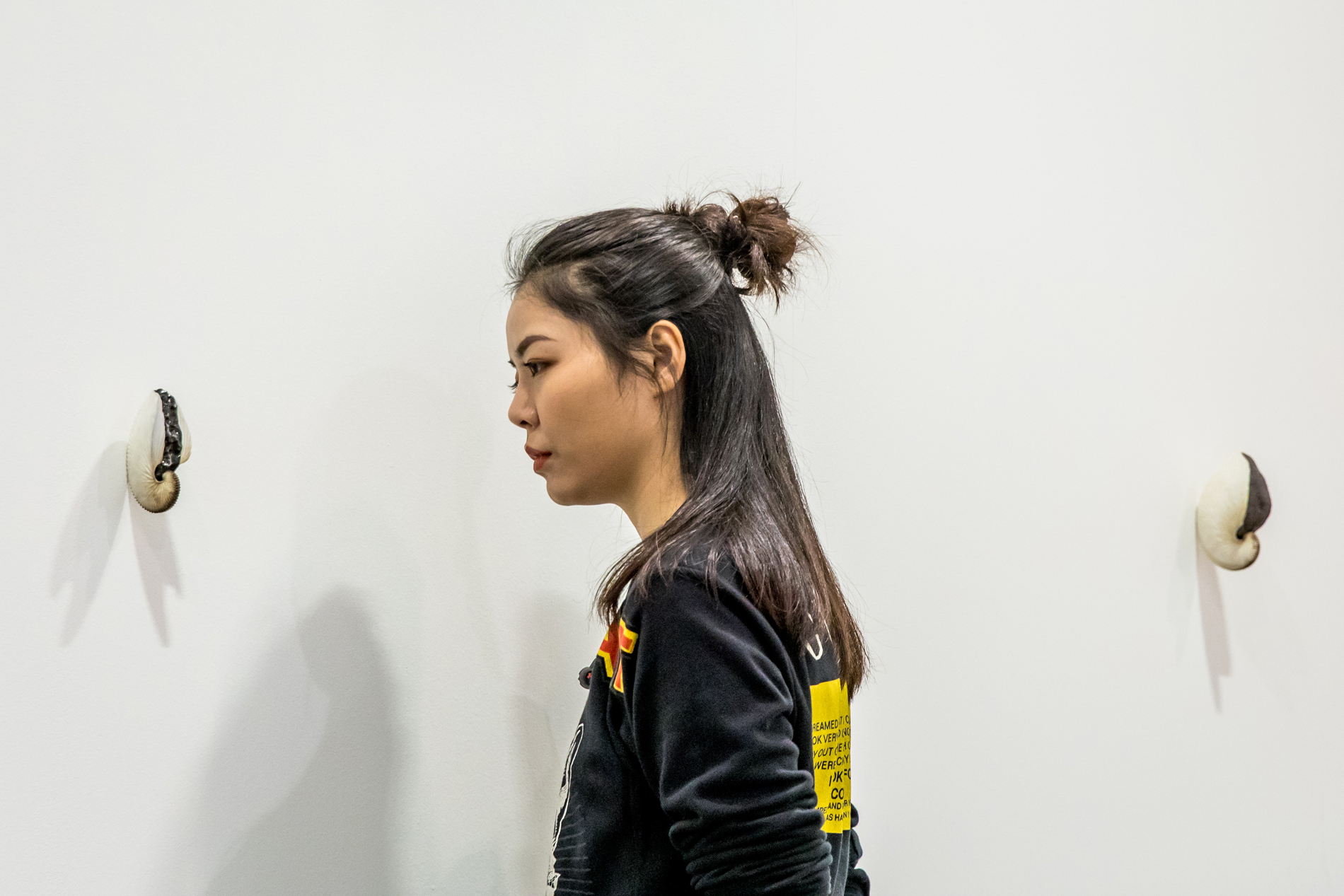 Посетитель выставки в Гонгконге