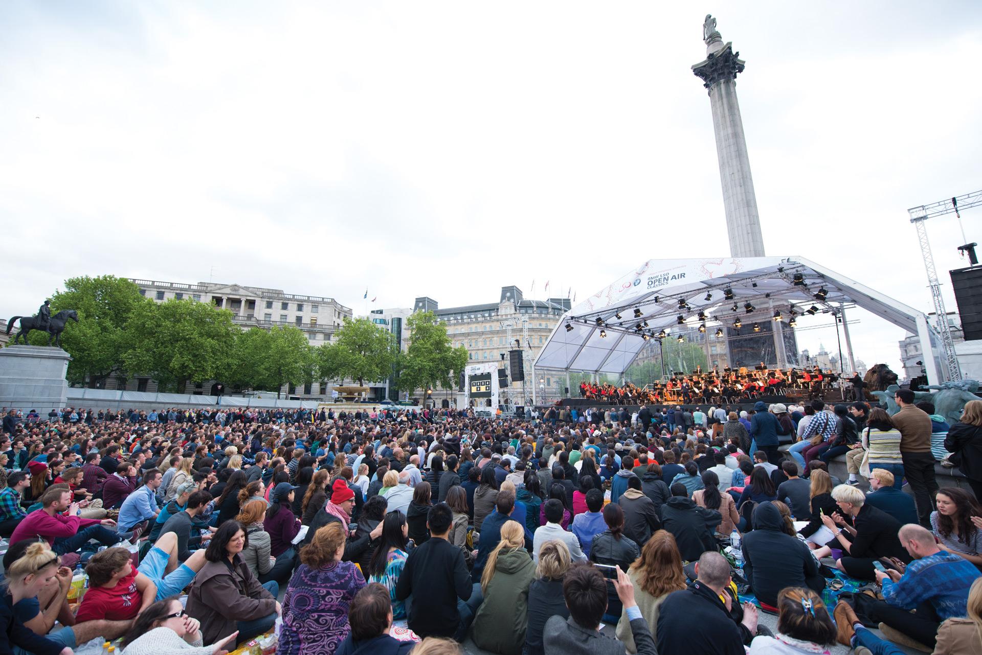 Музыка над Лондоном: Сэр Саймон Рэттл проведет седьмой бесплатный концерт серии BMW LSO Open Air Classics.
