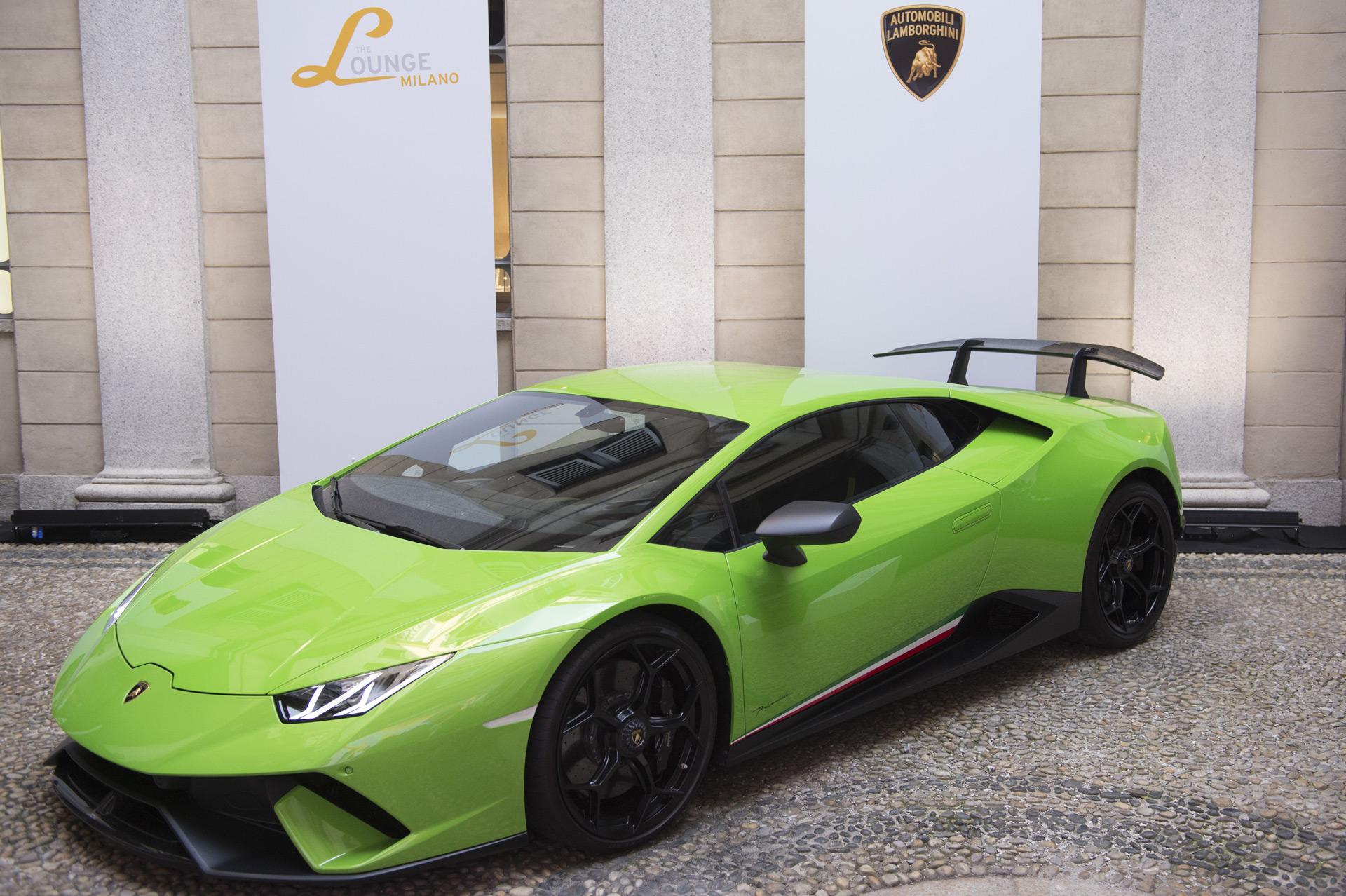 Collezione Automobili Lamborghini представляет коллекцию Весна-лето 2019
