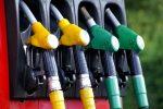 Россиянам предрекли цену в 100 рублей за литр бензина