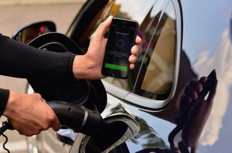 Зарядный сервис для электромобилей от Porsche