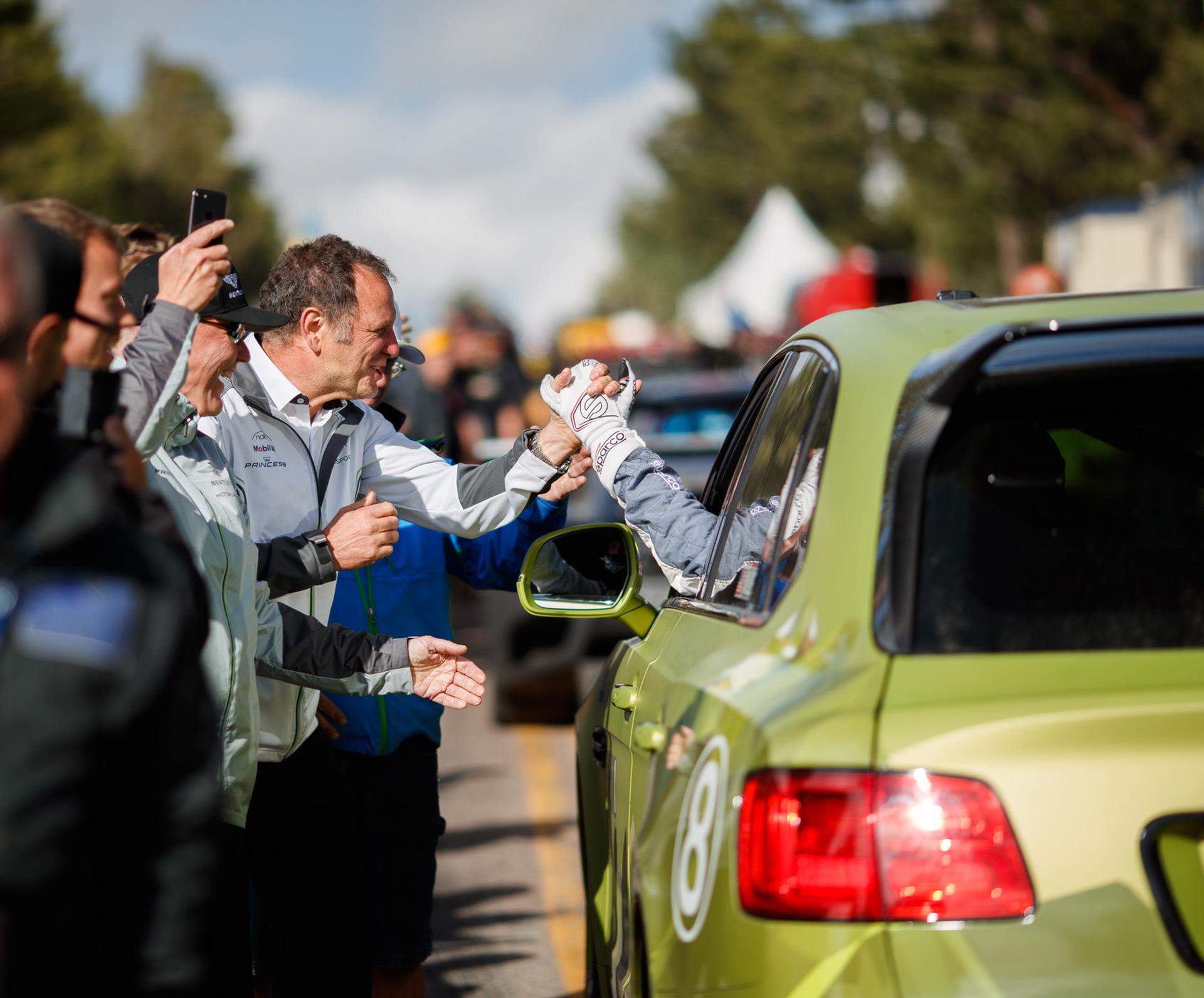 Bentayga установил новый рекорд для SUV на Пайкс-Пик