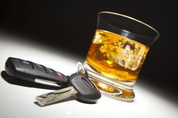 """Каждого 20-ого пьяного за рулём сдали в ГАИ """"активные граждане"""""""