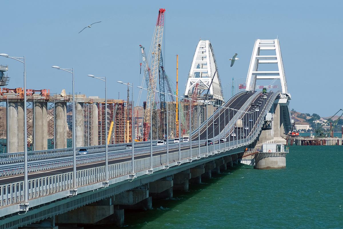 Крымский мост способен пропустить 40 тыс. автомобилей в сутки